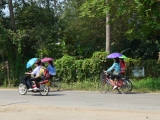 Laos: Border Crossing